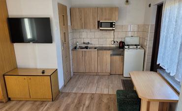 Pokoje dla firm w Świdnicy - wyposażnie kuchni